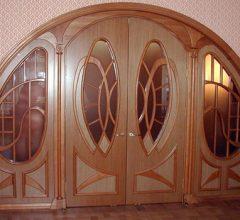 Арочные двери: сочетание красоты и величия