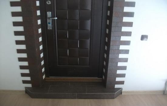 Уход за металлическими дверями